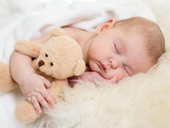 Почему нельзя фотографировать детей, которые спят?