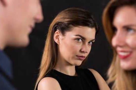 Как пережить предательство подруги