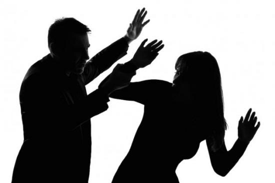 Нужно ли бить жену, если она изменила?