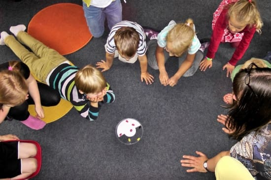 Занятия с детьми в детском саду