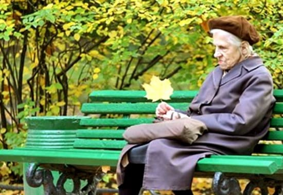 Когда пожилой человек разговаривает сам с собой вслух