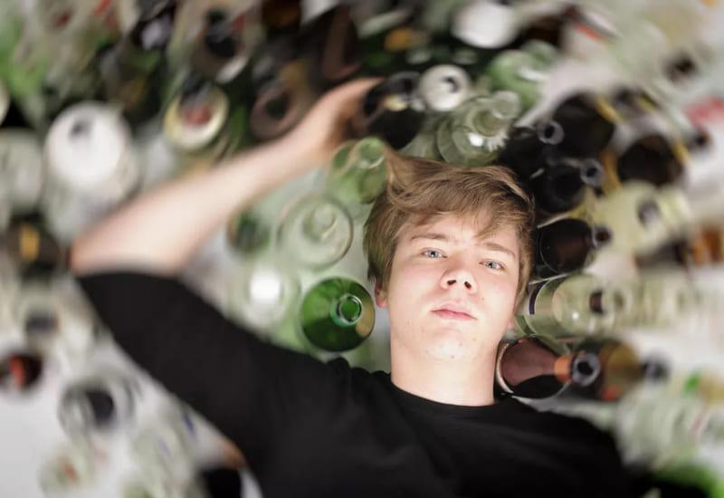 Селфхарм при помощи алкоголя