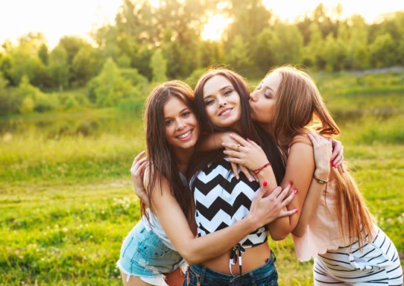 Платоническая любовь между женщинами