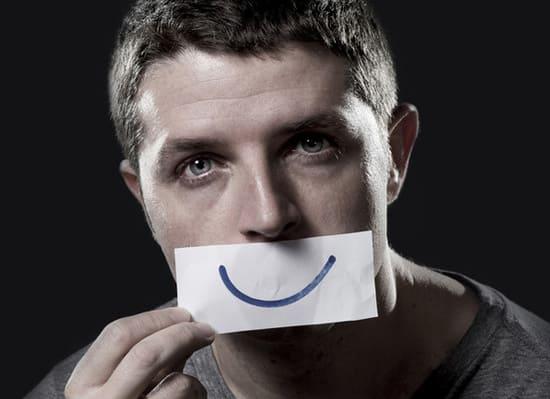 Улыбающаяся депрессия: что это?