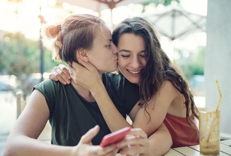 Чем пансексуал отличается от бисексуала