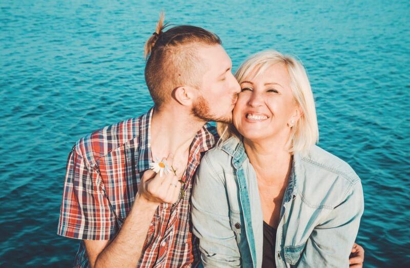 Хрестоматийный союз мама и сын