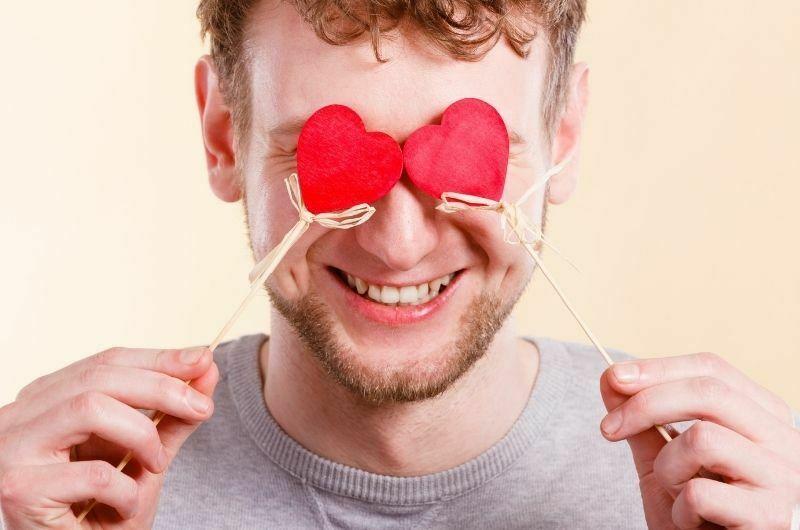 Как понять, что мужчина влюблён в тебя?